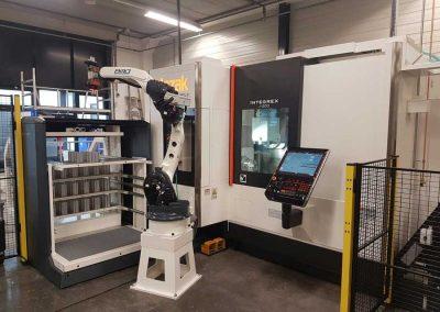 Die Multi-Funktions-Maschine INTEGREX j-200 von Mazak mit dem Platinum 24 Frontloader von BMO Automation
